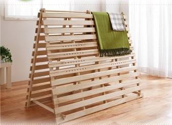 敷布団の直敷きは避けるロータイプすのこベッド『通気孔付きスタンド式すのこベッド【AIR PLUS】エアープラス』