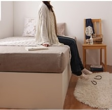収納ベッドシングル通販 2段チェストベッドに座るとベッドが高すぎる