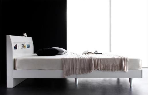 白いレッグタイプベッド『棚・コンセント付きモダンデザインすのこベッド【Degrace】ディ・グレース』
