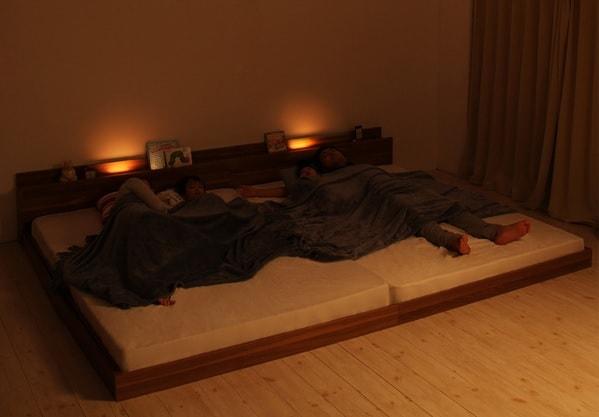 ベッドヘッドウォールを照らすの間接照明付きフロアベッド『大型モダンフロアベッド【ENTRE】アントレ』