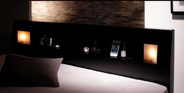 棚の両側から仄かに照らすモダンライト付きのシンプルベッド『モダンライト・コンセント付きすのこベッド【Eleonora】エレオノーラ』