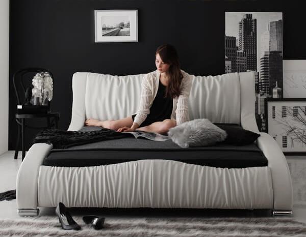 白いベッド『モダンデザイン・高級レザー・デザイナーズベッド【Formare】フォルマーレ』