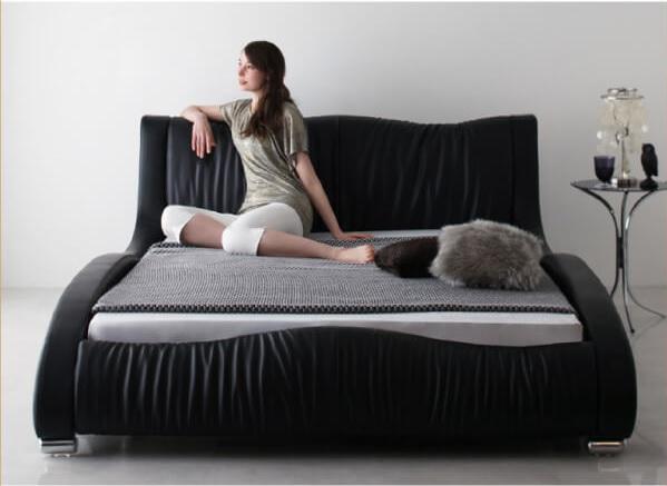 高級感のあるベッド『モダンデザイン・高級レザー・デザイナーズベッド【Formare】フォルマーレ』
