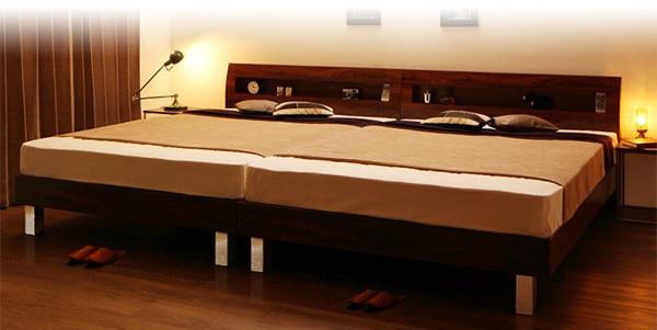 頑丈なベッド『頑丈デザイン棚・コンセント付すのこステーションベッド【G-BED】ジーベッド』
