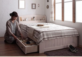 カワイイ収納ベッドシングルサイズ 『ショート丈天然木カントリー調コンセント付き収納ベッド シングル 【Reine】レーヌ』
