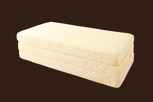 薄型折り畳みマットレスのセットがある2段チェスト収納ベッド『国産 宮付き 大容量 収納ベッド【SPACIA】スペーシア』の三つ折りマットレス