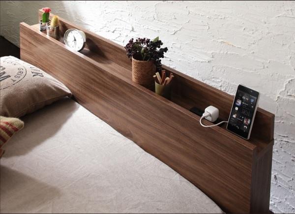 コンセント付きすのこベッド『棚・コンセント付きモダンデザインローベッド【Tschues】チュース』