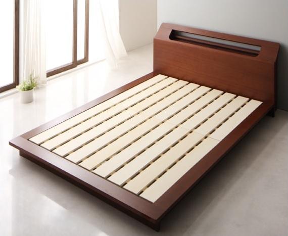 ステージタイプの低いベッドの床板