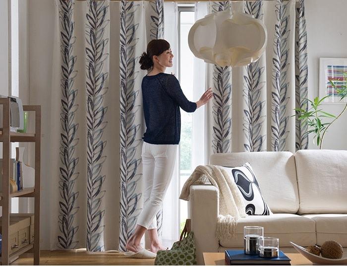 北欧スタイルのベッドには、北欧スタイルのカーテン『IN-FA-LA 北欧デザインカーテンシリーズ遮光カーテン』