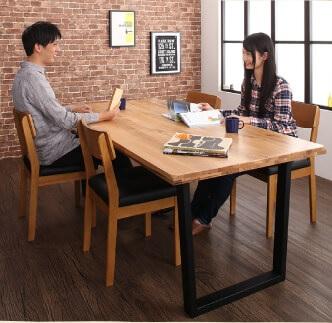 夫婦の会話が弾むダイニングテーブル『オーク無垢材ヴィンテージデザインワイドサイズダイニング【Lepus】レプス』