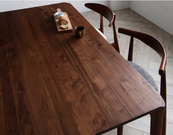 無垢材のダイニングテーブル『北欧デザイナーズダイニング【Spremate】シュプリメイト』