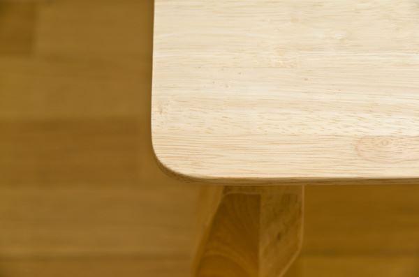 キッズ家具通販『【Karin】カリン 天然木キッズテーブル』