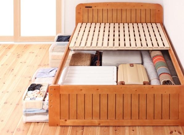 高校生活スタートにおススメの高さの調整できるベッド『コンセント付き天然木すのこ&収納ベッド【Fit-in】フィット・イン』のベッド下に収納ケースで上手に収納
