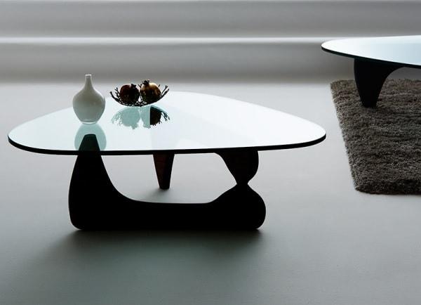 ちょっと柔らかな男前ガラステーブル『デザイナーズリビングテーブル 【Noguchi Table】ノグチテーブル』